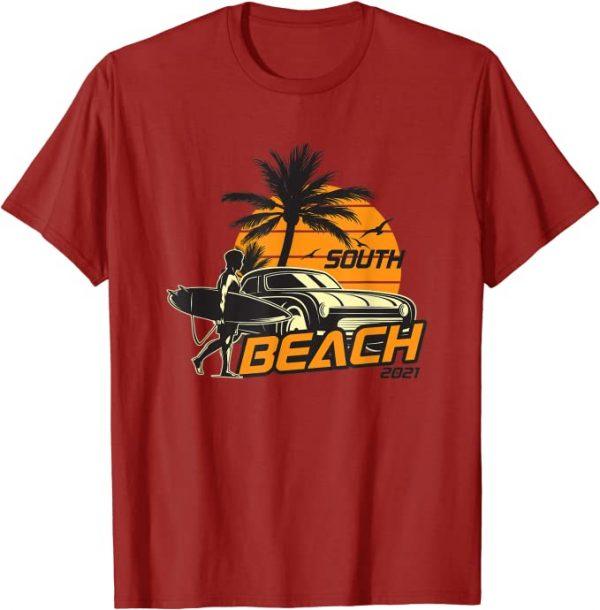 Surfer mit Surfboard geht zum Strand, Beach, Surfen, Surfing T-Shirt